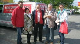 Michae Reisinger v červené vestě vlevo
